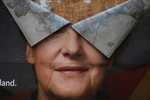 """Nga mong đợi gì từ """"giông tố"""" chính trị Merkel?"""