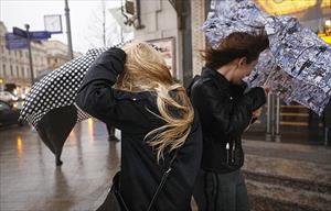 Mưa bão ập đến Moskva và vùng ngoại ô