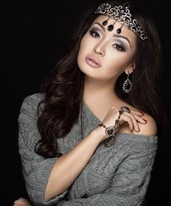 Ảnh: Nhan sắc mê hoặc của 15 phụ nữ người Kazakhstan đẹp nhất thế giới