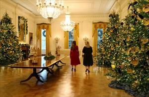 Khám phá nội thất đẹp trong Nhà Trắng được trang hoàng đón Giáng Sinh