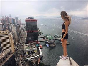 Những bức ảnh selfie ở nơi nguy hiểm chết người của cô gái Nga