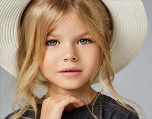 Mẫu nhí 6 tuổi đến từ Moscow khiến cư dân mạng điên đảo vì quá xinh đẹp