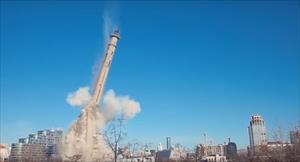 Tháp truyền hình xây dựng dở đã bị phá hủy ở Ekaterinburg (Video)