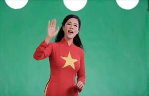 àng ngàn người Việt hát phản ứng bá quyền Trung Quốc