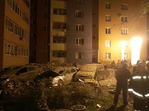 Nổ gas phá tan hai tầng chung cư, 18 người thương vong