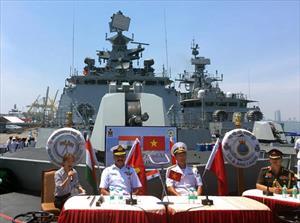 Ba tàu Hải quân Ấn Độ thăm Đà Nẵng