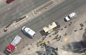 Video hiện trường vụ xe tải đâm chết 9 người ở Toronto