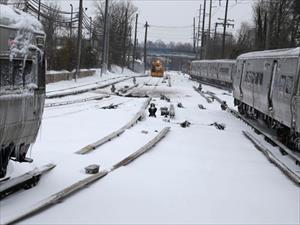 Bờ Đông nước Mỹ tê liệt vì bão tuyết