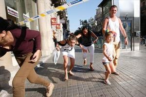 Bắt nghi phạm thứ 3 liên quan 2 vụ tấn công khủng bố ở Tây Ban Nha