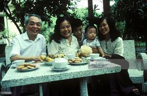 Bộ ảnh cảm động về Đại tướng Võ Nguyên Giáp năm 1983