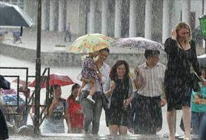 Cảnh báo: Giông bão và gió lớn ở khu vực Moskva vào ngày mai (21/8)
