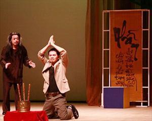 """Xem vở """"Cát bụi"""" của Nhà hát kịch Hà Nội: Cát bụi lại trở về với cát bụi..."""