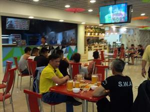 Ký sự World Cup: Xem bóng đá cùng cộng đồng người Việt tại Nga