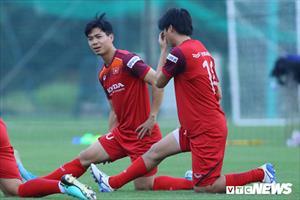 Việt Nam vs Malaysia: HLV Park Hang Seo tin Anh Đức, dùng Trọng Hùng như
