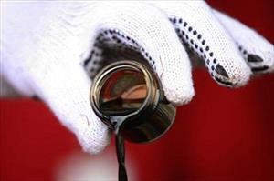 Giá dầu tăng mạnh nhất trong 6 năm
