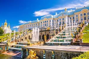Video: Có một St. Petersburg đẹp huyền ảo và lộng lẫy