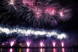 Lễ hội pháo hoa quốc tế Rostec tại Moskva ngày 18-19 tháng 8