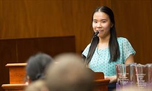 Nữ sinh gốc Việt giành học bổng toàn phần 8 đại học danh tiếng của Mỹ