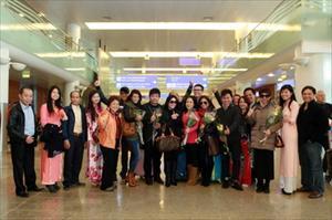 """Ca nhạc """"Đại nhạc hội"""": Đón đoàn ca sĩ, nghệ sĩ ngày 25/9 tại sân bay  Sheremetrevo-2"""