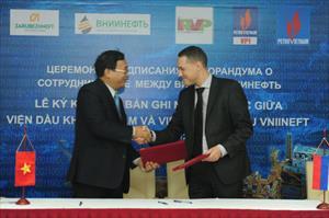 Viện Dầu khí hợp tác nghiên cứu nâng cao hệ số thu hồi dầu tại Việt Nam và Nga