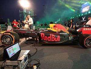 ẢNH: Cận cảnh hai chiếc xe F1 khét tiếng gây huyên náo ở Mỹ Đình