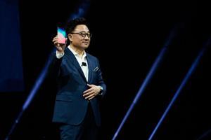 Galaxy Fold màn gập sẽ làm lu mờ các smartphone đầu năm 2019