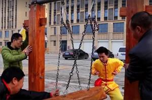"""Màn trình diễn Kungfu mang tên mình đồng """"háng sắt"""""""