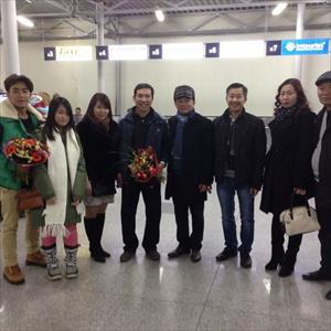 Hai nghệ sỹ hài Quang Thắng và Duy Nam đã có mặt tại thủ đô Matxcơva LB Nga