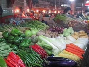 Nga bắt đầu ăn rau quả và thịt lợn Trung Quốc