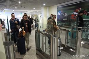 Ca sĩ Thu Minh và Trúc Nhân đã tới Moscow