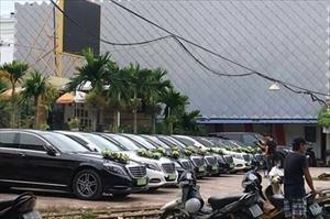 Dàn xe sang tiền tỷ Bentley, Mercedes rước dâu tại Hải Phòng