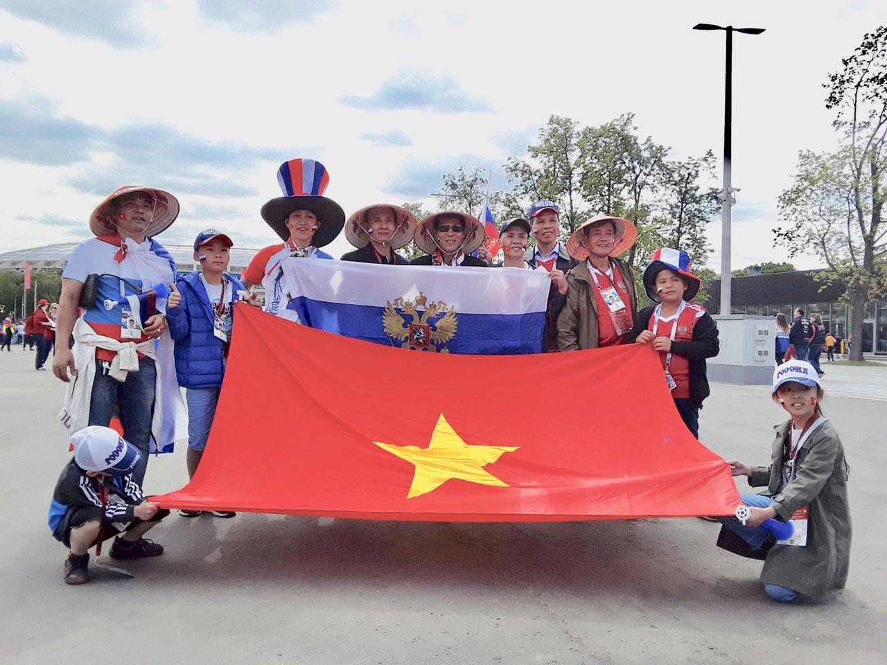 CĐV Việt Nam tại Nga trong ngày khai mạc World Cup 2018