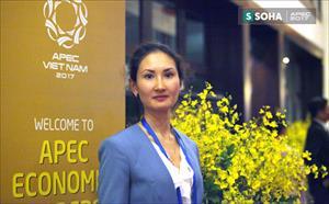 """Ấn tượng về APEC của nữ đại biểu người Nga nói tiếng Việt """"như gió"""""""