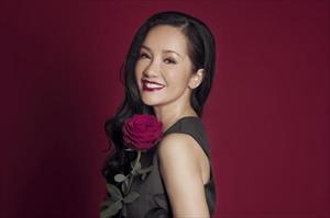 Ca sĩ Hồng Nhung bất ngờ tuyên bố đã ly hôn với chồng ngoại quốc sau 8 năm vợ chồng