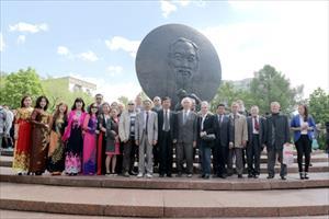 Kỷ niệm 127 năm ngày sinh Chủ tịch Hồ Chí Minh tại LB Nga