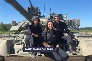 Nga mang T-80 cùng kíp lái nữ tham gia đua tăng Tank Biathlon