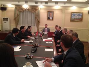 Đại sứ VN tại LB Nga Nguyễn Thanh Sơn làm việc với Bộ trưởng Cơ quan Nhập cư LB Nga (17/11/2014)