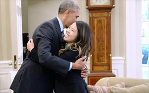 Tổng thống Mỹ gặp và cảm ơn nữ y tá gốc Việt Nina Pham