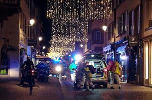 Pháp ráo riết truy tìm kẻ tấn công khủng bố đẫm máu gần chợ Giáng sinh