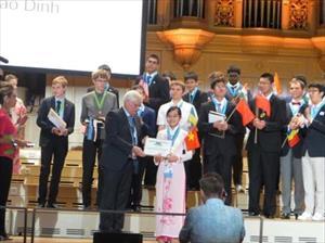 Nữ sinh Nam Định đoạt giải đặc biệt tại kỳ thi Olympic Vật lý quốc tế