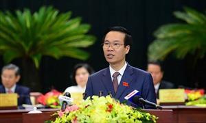 Ông Võ Văn Thưởng: Nếu không kiên trì đánh roi người xả rác, Singapore có được như hôm nay?
