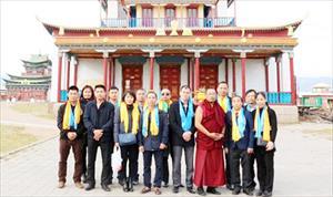 Người Việt ở Irkutsk viếng thăm Trung tâm phật Giáo nước Nga tại TP Ulan Uđê