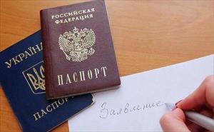 Hơn 160 nghìn dân Đông Ukraine xếp hàng xin quốc tịch Nga