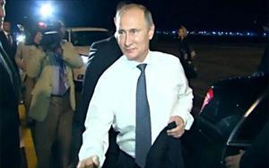 Siêu xe chống đạn của ông Putin đến và rời Hội nghị G20 bằng cách nào?