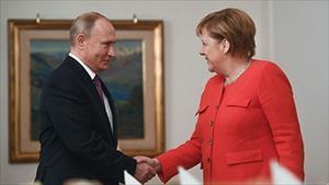Thủ tướng Đức Merkel bất ngờ tuyên bố muốn cải thiện quan hệ với Nga