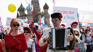 Nga: Làm việc 6 ngày trong tuần này