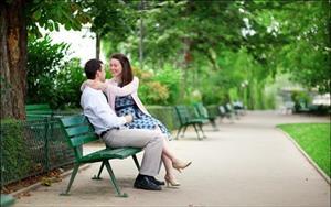 Bàng hoàng phát hiện chồng ngoại tình với gia sư của con
