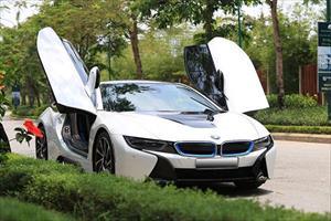 """Siêu xe BMW i8 """"đại hạ giá"""" chỉ 3 tỷ đồng ở Hà Nội"""