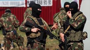 Cảnh sát Nga bắn hạ 2 tên khủng bố ném lựu đạn