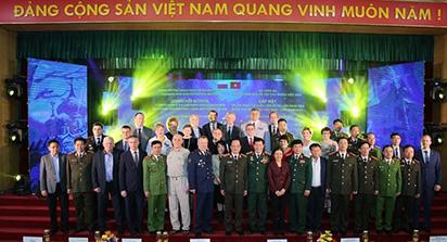 Nồng thắm mãi tình thầy trò, đồng chí Việt - Nga